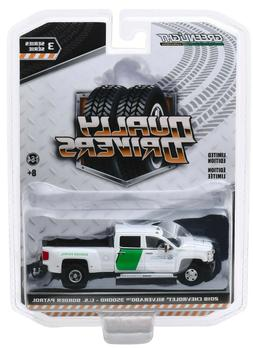 1:64 GreenLight *DUALLY DRIVERS 3* 2018 Chevy Silverado US B