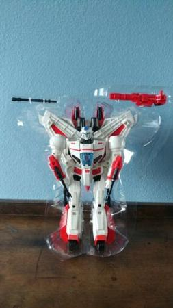 idw revolution sdcc 2017 transformers jetfire action