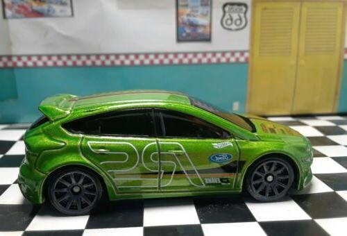 Hot Wheels Focus RS 1/64