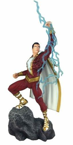 Diamond Select Toys DC Movie Gallery Shazam  PVC Diorama Fig