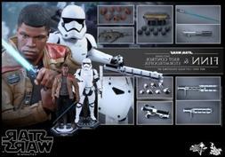 Hot Toys Star Wars EPVII Finn & First Order Riot Control Sto